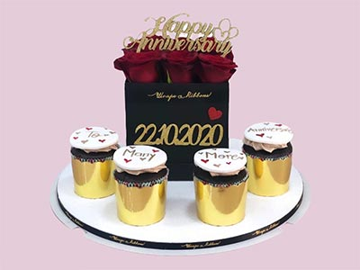 Happy Wedding Anniversary Cupcakes and Roses Gift Pack