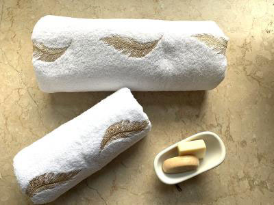 Gold Feather Set Of 2 Towels