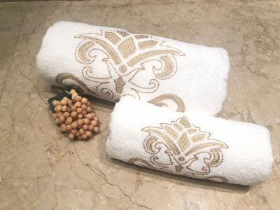 Gold Arabesque Set of 2 Towels